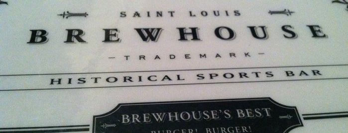 Brewhouse Historical Sports Bar is one of สถานที่ที่ Whitni ถูกใจ.