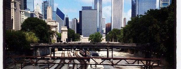 Bridge Over South Shore Line is one of Locais curtidos por Christopher.