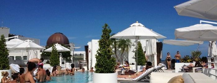 Highbar - Pool·Bar·Sky is one of it place.