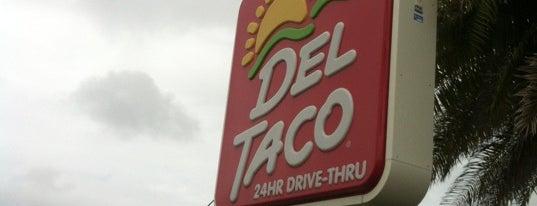 Del Taco is one of Tempat yang Disukai Matt.