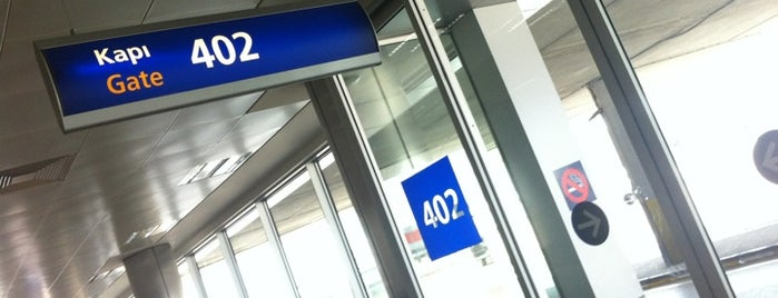 Gate 402 is one of İstanbul Atatürk Airport.