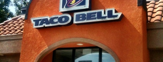 Taco Bell is one of Locais curtidos por Robby.