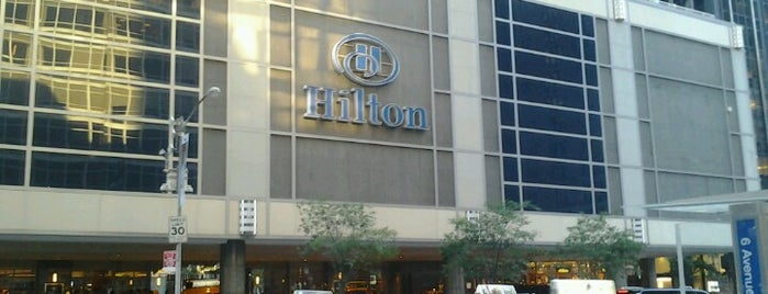 Hilton is one of Lieux qui ont plu à Antonio Carlos.