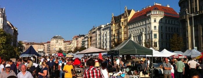 Flohmarkt am Naschmarkt is one of Vienna my love.