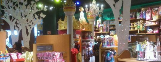 Disney Store is one of madrid.vacation..
