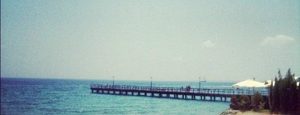 Enaerios Beach is one of Posti che sono piaciuti a Michaella.