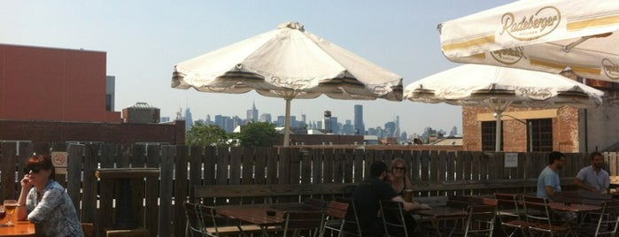 Berry Park Roof Deck is one of Lugares favoritos de Brooks.