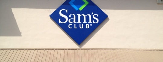 Sam's Club is one of Locais curtidos por Moe.