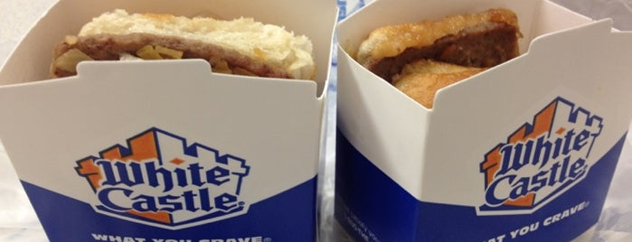 White Castle is one of Locais curtidos por Jason.