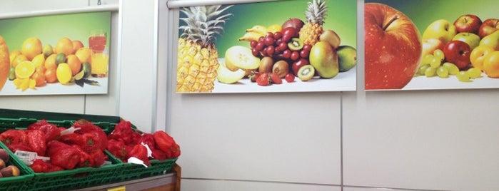 Maxi Dia Supermercado is one of Orte, die Francisco gefallen.