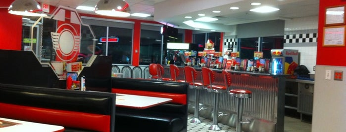 Steak 'n Shake is one of Fun w Friends.