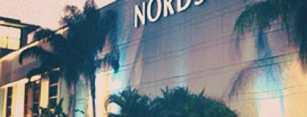 Nordstrom is one of Posti che sono piaciuti a Sasha.
