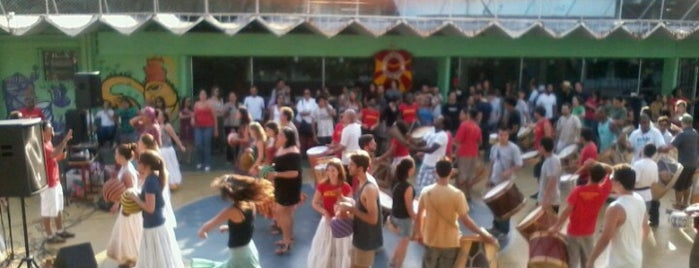 Maracatu Bloco de Pedra is one of Party.
