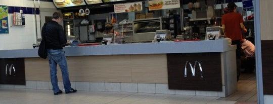 McDonald's is one of Lugares favoritos de Sasha.