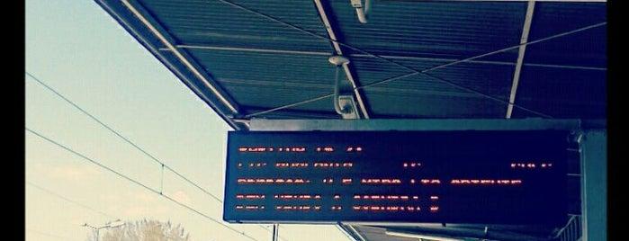 Estação Ferroviária de Coimbra-B is one of Posti che sono piaciuti a Marta.