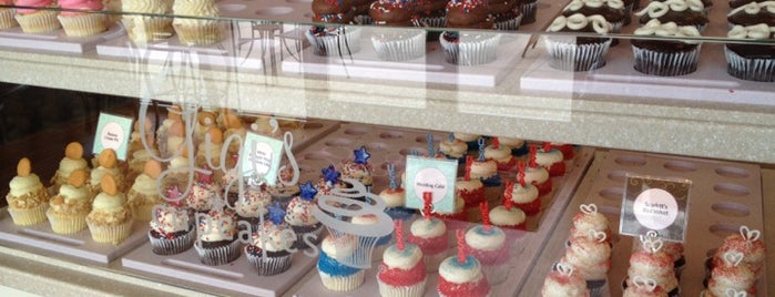 Gigi's Cupcakes is one of Austin + Cedar Park: Coffee/Sweets.