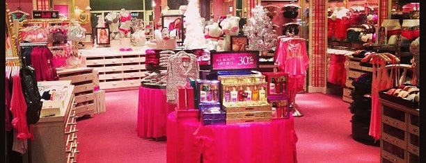 Victorias Secret is one of ΔΕΛΘΧΕ.