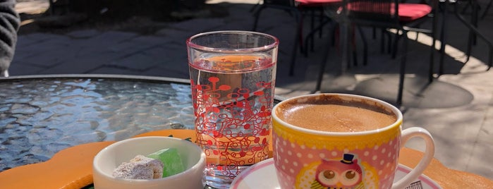 Asmalı Cafe is one of izmir.