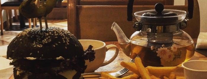 Cafe Mazza is one of Posti che sono piaciuti a Dmitry.