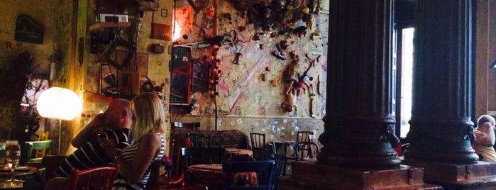 Csendes Vintage Bar & Cafe is one of Must See in Budapest !.
