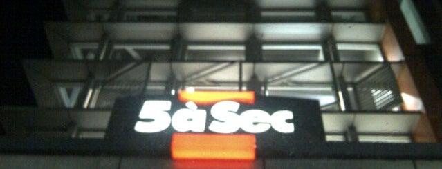 5aSec laundry is one of สถานที่ที่ Winda ถูกใจ.