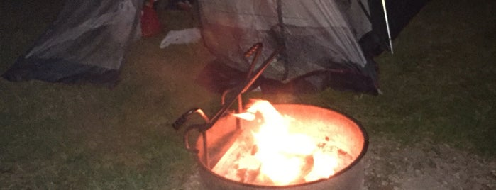 State Game Lodge Campground is one of Posti che sono piaciuti a Corey.