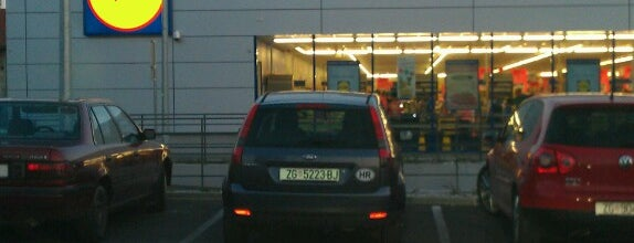 Lidl is one of Orte, die Jan gefallen.