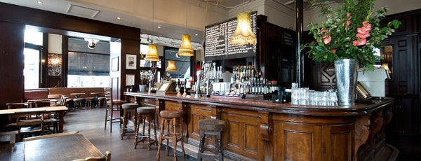 The North London Tavern is one of Lieux sauvegardés par Asli.
