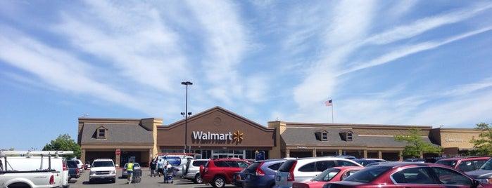 Walmart is one of Locais curtidos por Ahmad.