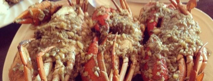 Gensan Arpochi Seafoods & Resto is one of Lieux qui ont plu à Angelika.
