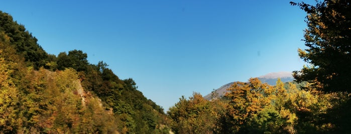 Albanian - Greek Border [Delvinaki (GR) - Kakavia (AL)] is one of Lugares favoritos de Raluca Bastucescu.