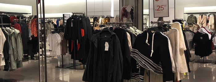 8f2c7e09bf7c9 Zara is one of The 9 Best Clothing Stores in the Financial District