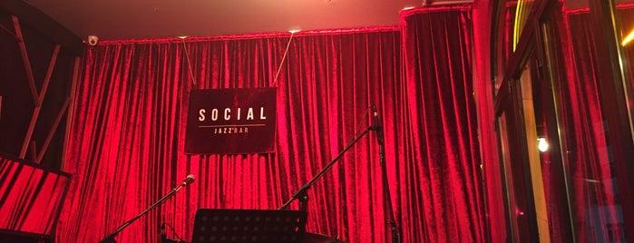 Social Pub & Kitchen is one of Tempat yang Disukai Fuat.