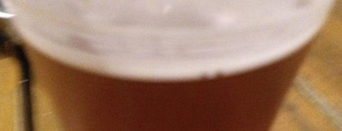 Amante Brew Company is one of Locais curtidos por Armando.