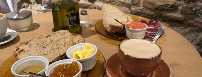 Santa Eulalia Boulangerie Pâtisserie is one of joe : понравившиеся места.