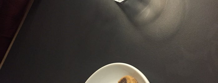 Coffee Manifesto Yeldeğirmeni is one of Işıl'ın Beğendiği Mekanlar.
