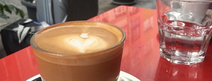 Coffee Manifesto Yeldeğirmeni is one of Locais curtidos por Işıl.