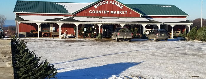 Burch Farms Country Market is one of Avoid.