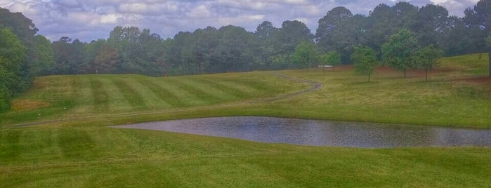 Reedy Creek Golf Course is one of Lugares favoritos de allie.