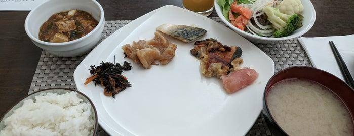 All Day Dining Verde (ヴェルデ) is one of Gespeicherte Orte von Brunold.