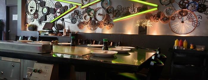 Hibachi Teppanyaki and Bar Toronto is one of Toronto.