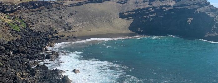 Papakōlea (Green Sand Beach) is one of HI spots.