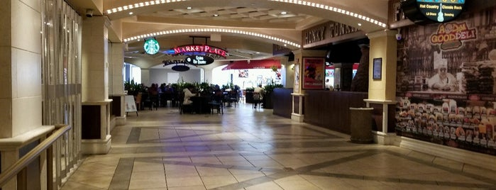 Tropicana Marketplace at the Boardwalk is one of Davidさんのお気に入りスポット.