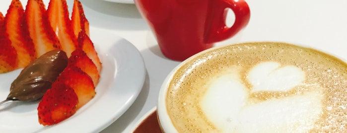 Isveglio Café is one of Food & Fun - Quito.