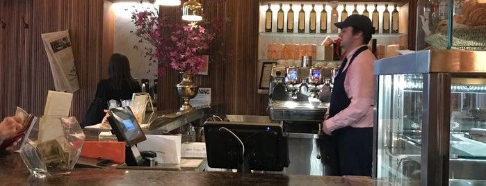 Sant Ambroeus Coffee Bar at Hanley is one of Lugares favoritos de Marisa.