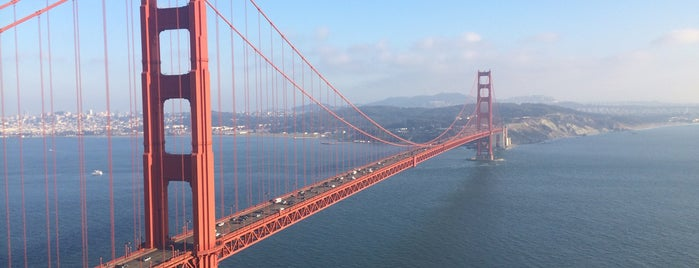 Golden Gate Bridge is one of Tempat yang Disukai Jorge.