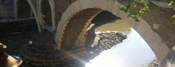 Ponte Fabricio is one of Rome.