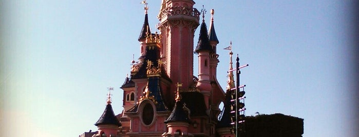 Disneyland® Paris is one of Lugares favoritos de Nathalie.