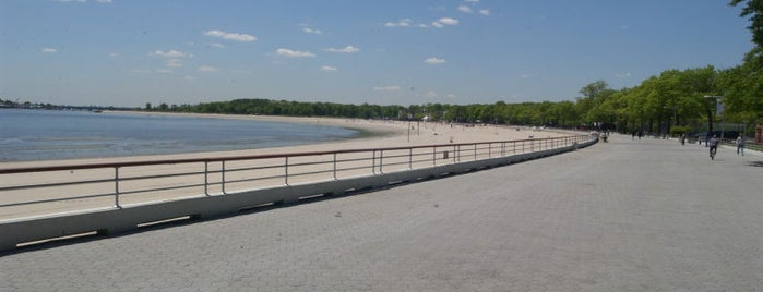 Orchard Beach is one of Places to Run.