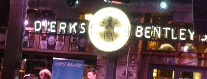 Dierks Bentley's Whiskey Row is one of Orte, die Douglas gefallen.